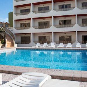 Hotel Malta Con Piscina